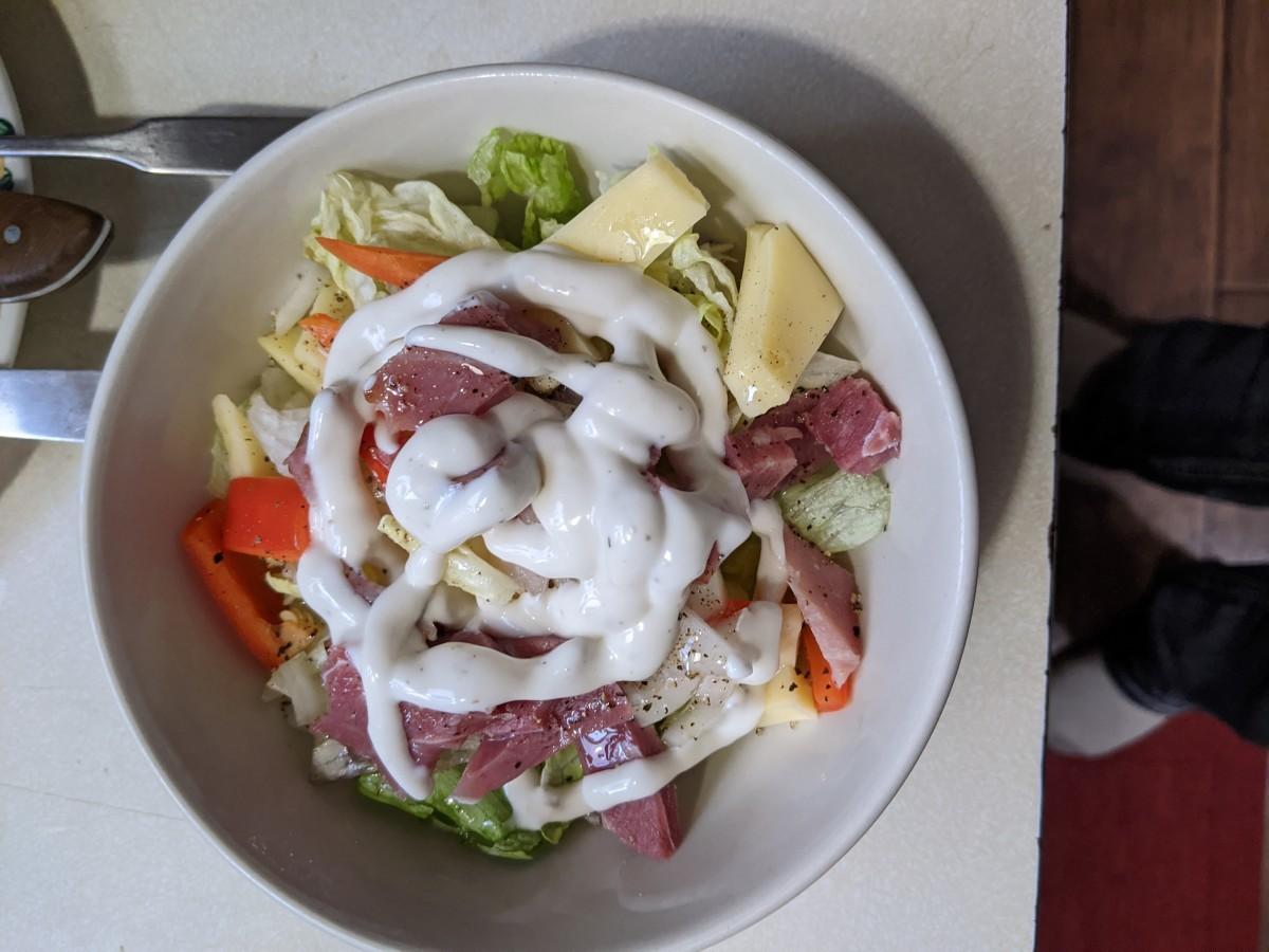 hearty-salad-with-a-tuna-melt