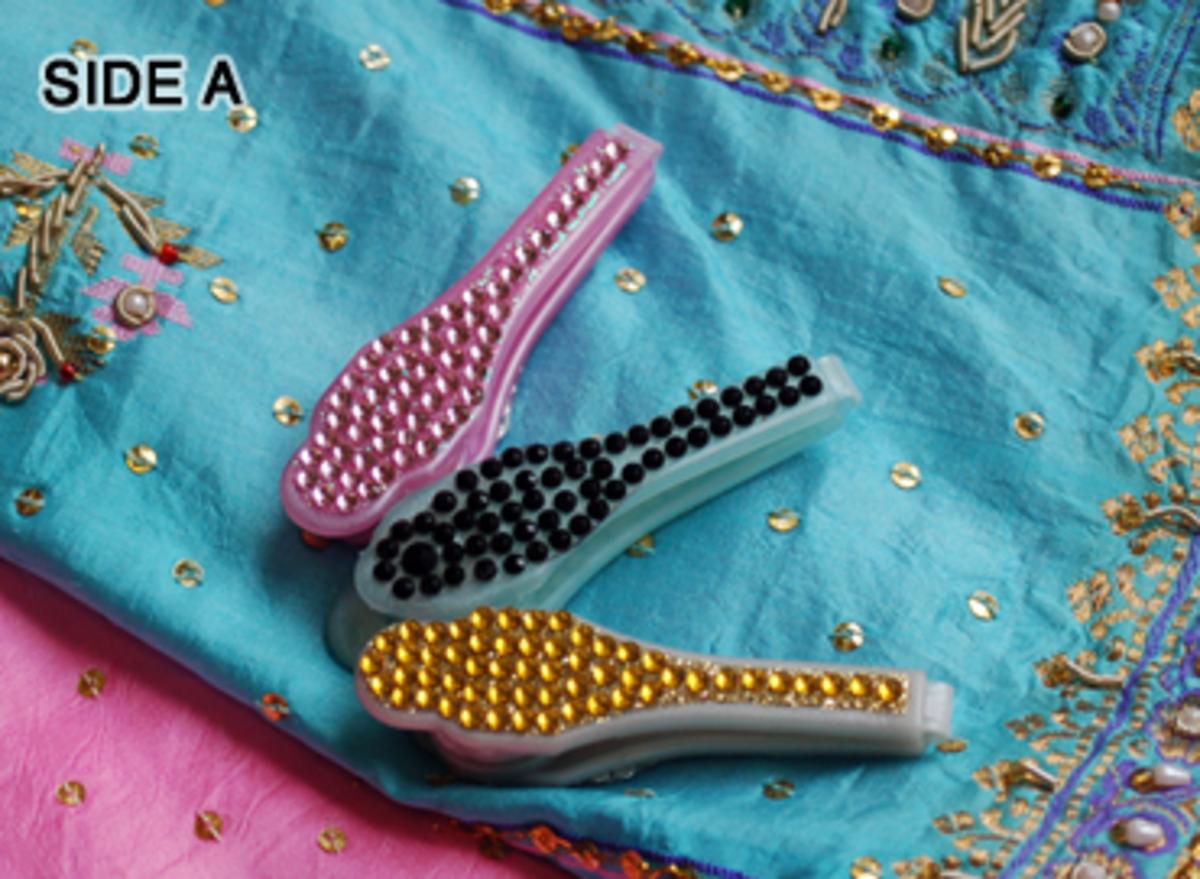 sari-saheli-a-device-to-aid-in-making-pleats-for-a-sari