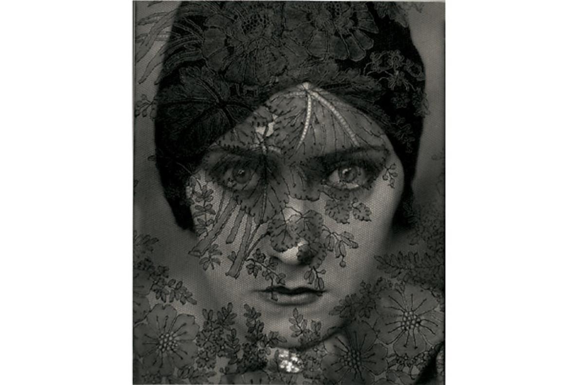 """GLORIA SWANSON"" BY EDWARD STEICHEN IN 1924"