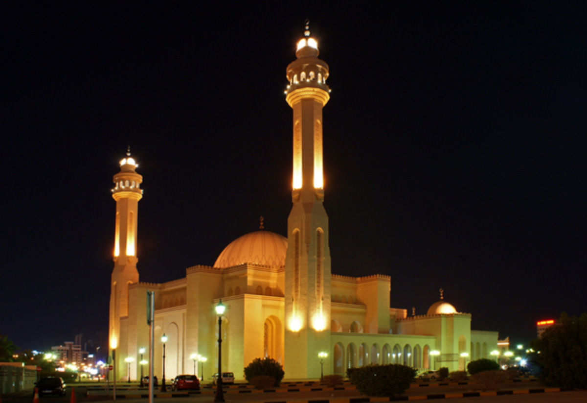 Bahrain's Al Fateh Mosque is one of the largest mosques in the world with the capacity to accommodate over 7,000 worshippers at a time.