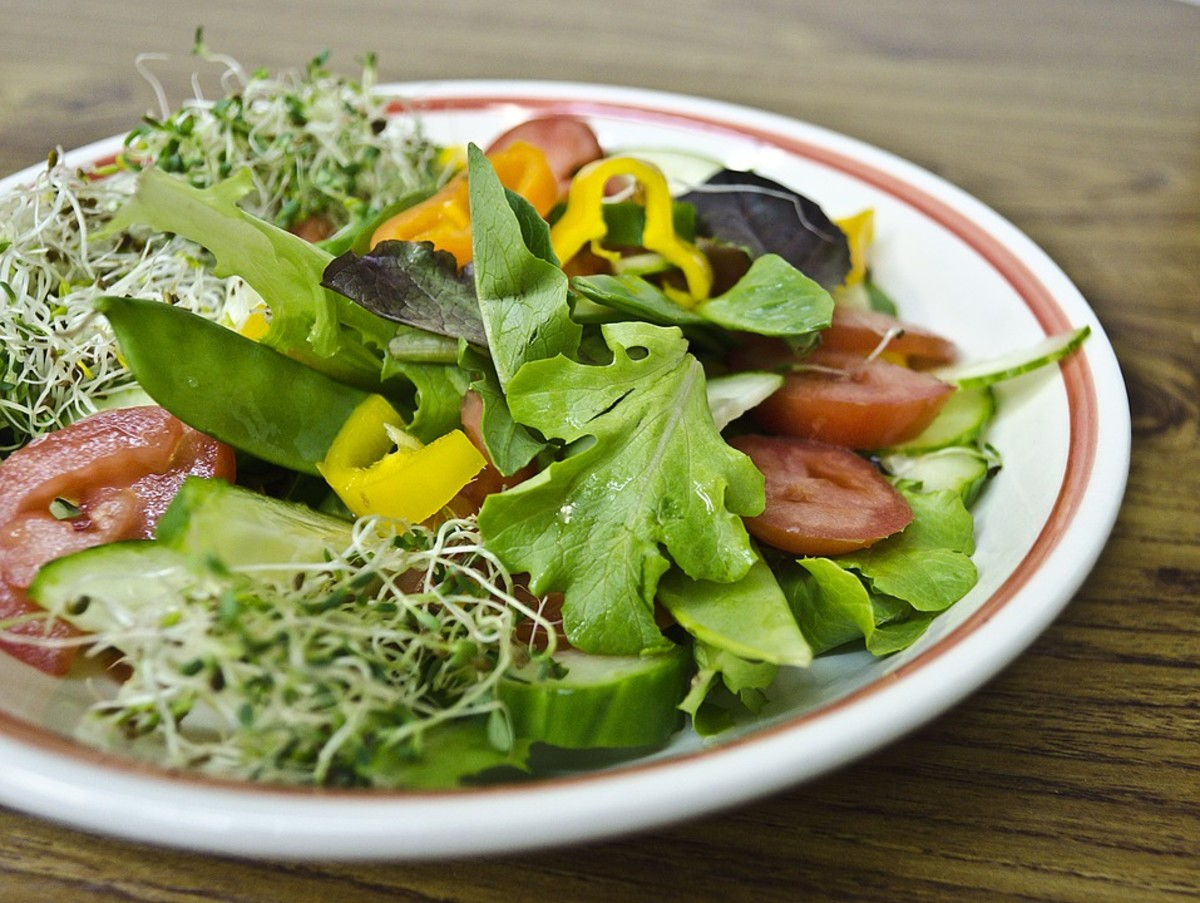 Best Time to Eat a Salad: Before, During or After a Meal