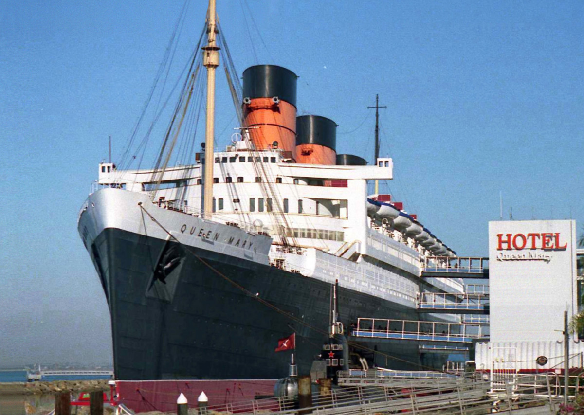 THE QUEEN MARY AT LONG BEACH