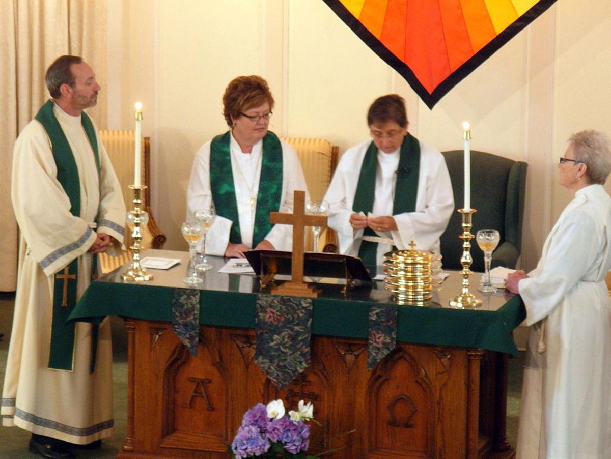 catholic-mass-rituals-with-no-germ-control