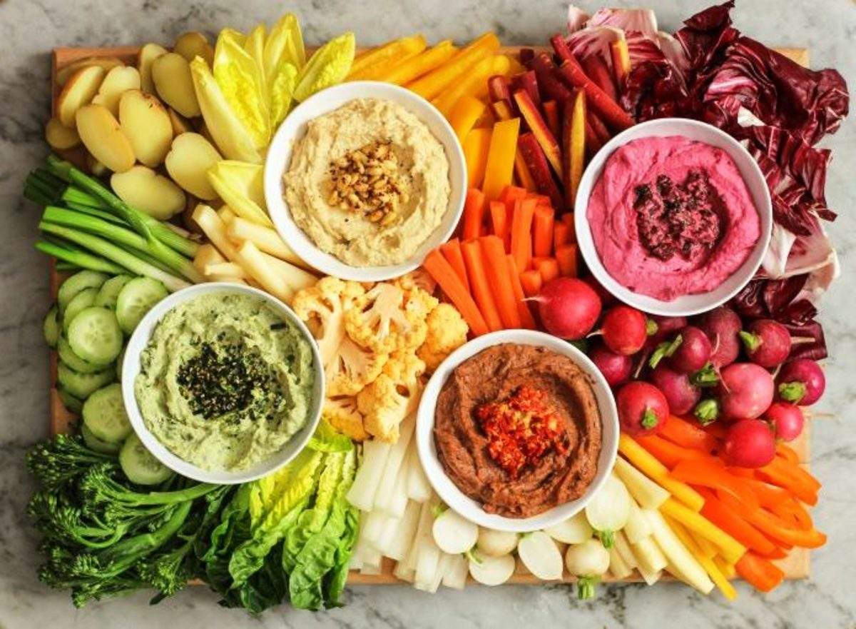 Crudite platter in a rainbow of colors