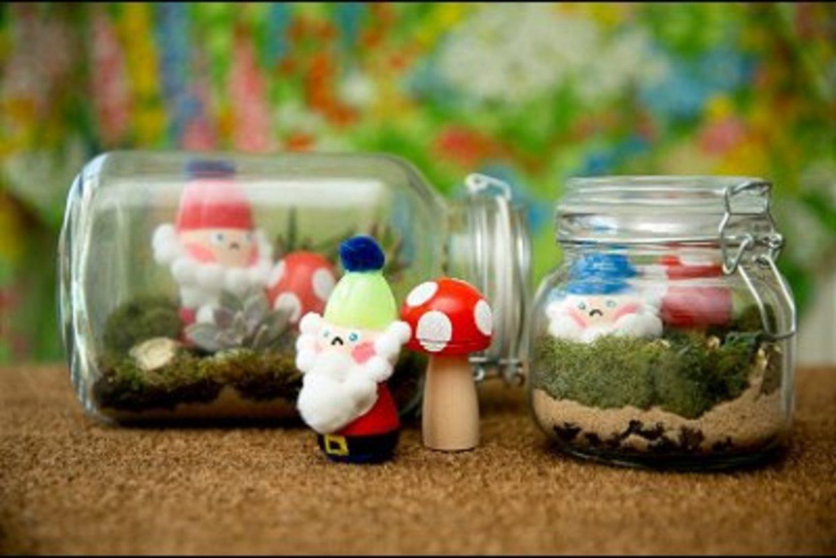making-plastic-egg-crafts