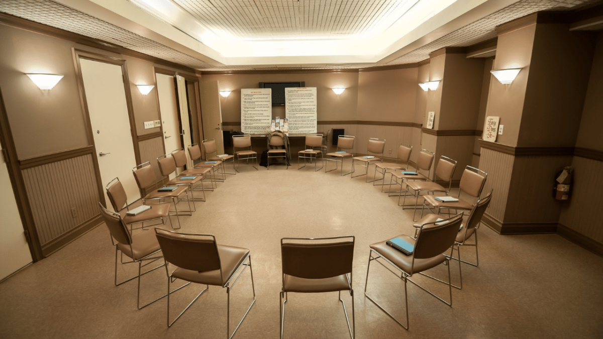 How Do Support Groups Help Substance Abusers?