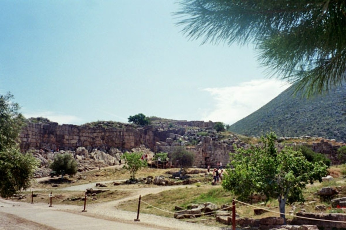 Approach to the citadel of Mycenae. Here's the broad ways Hera loved.