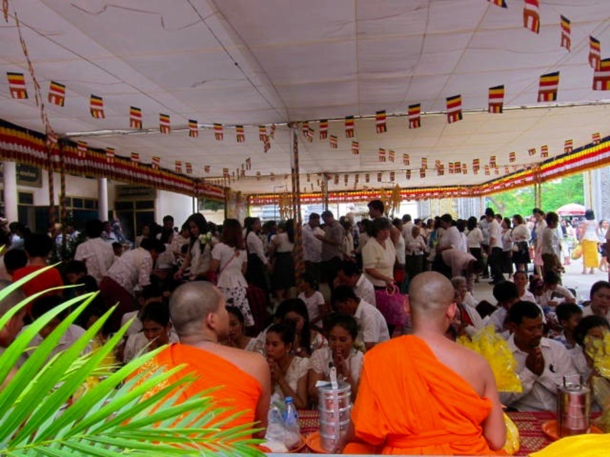 Pchum Ben in Wat Langka