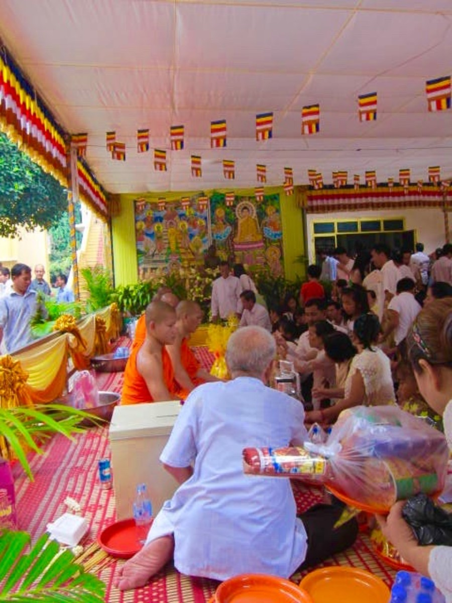 Pchum Ben at Wat Langka 2016