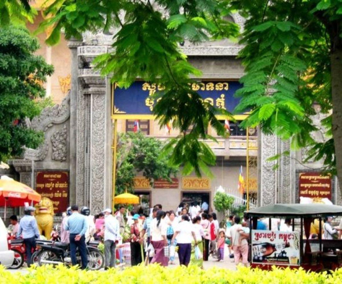 The Gate of Wat Langka on Pchum Ben