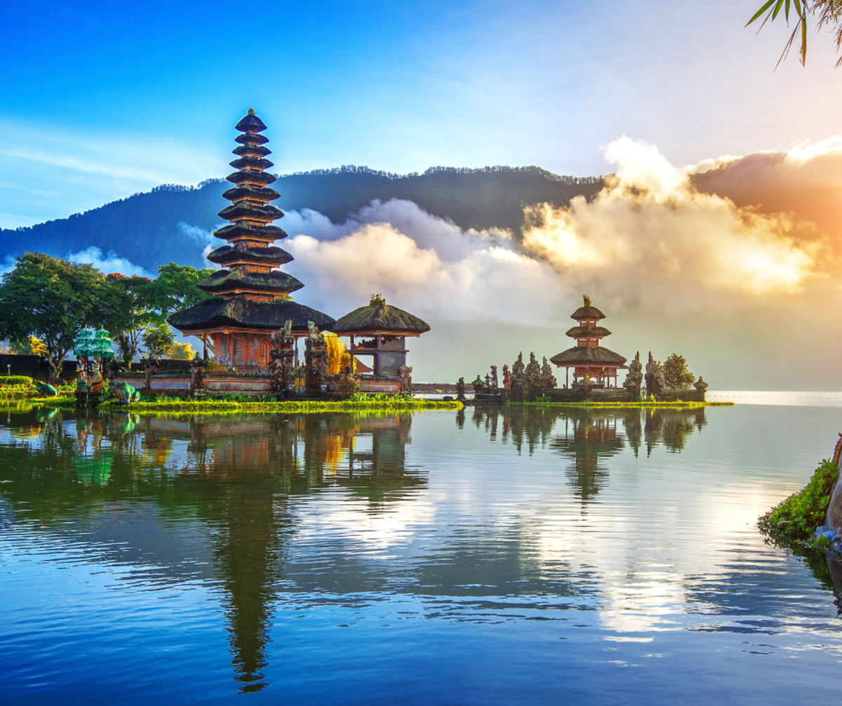 This Company Wants to Pay a Gamer $41k Yearly; Another Wants to Relocate You To Bali
