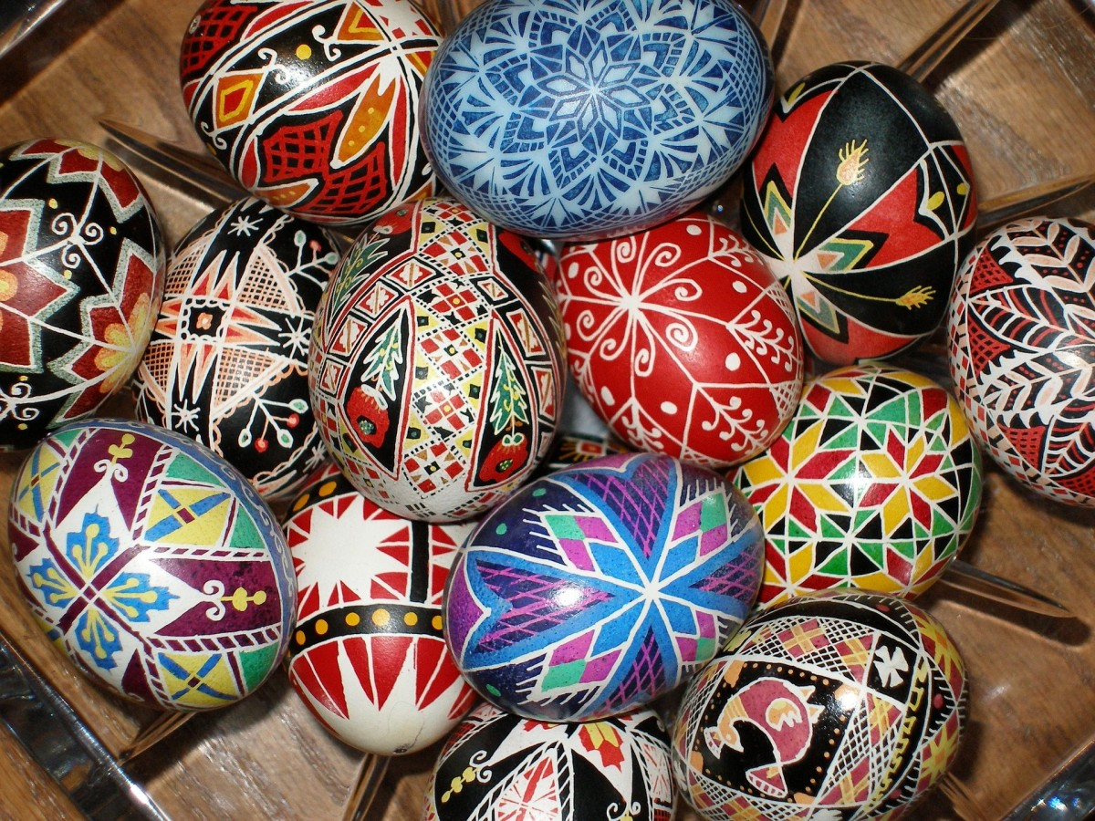The colors used in pysanky making are symbolic.