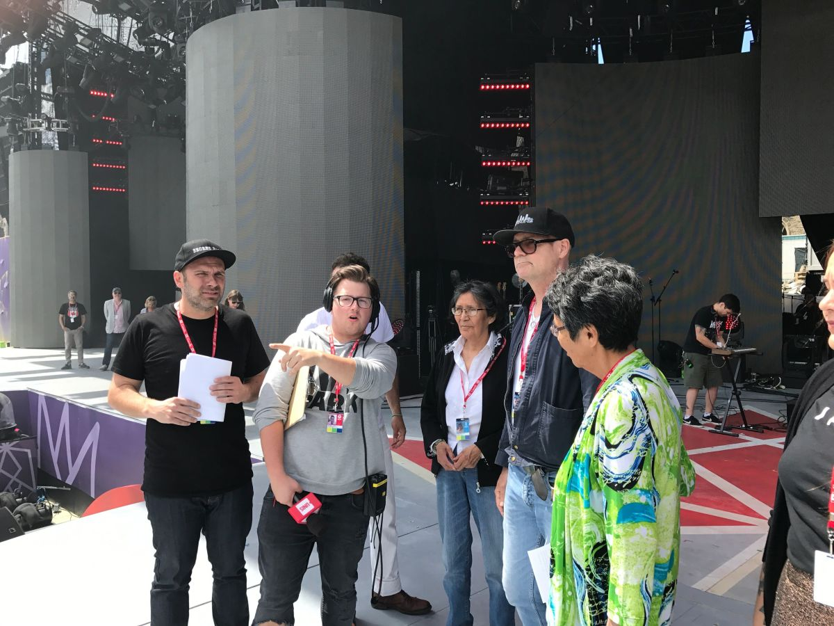 (L-R) Calvin Mitchell, Daisy Wenjack, Gord Downie, Pearl Wenjack behind the scenes at WE Day Canada - Photography by Scott Ramsay
