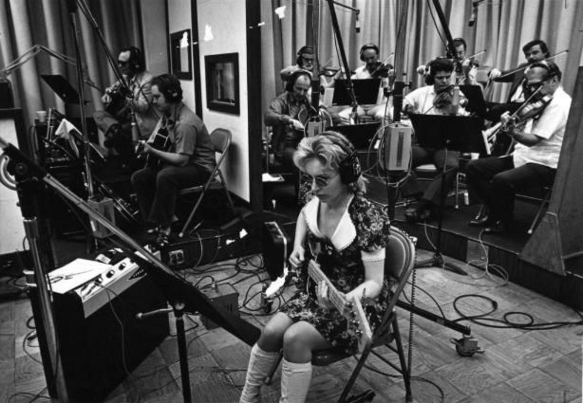 Carol Kaye (foreground) at a recording session