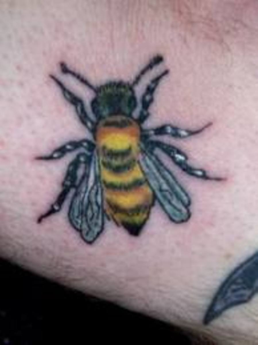 bee tattoo meanings designs and ideas tatring. Black Bedroom Furniture Sets. Home Design Ideas
