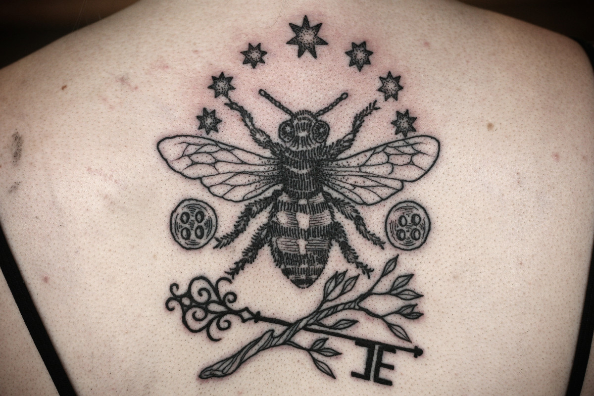 101d0afe3 Bee Tattoo Meanings, Designs, and Ideas | TatRing