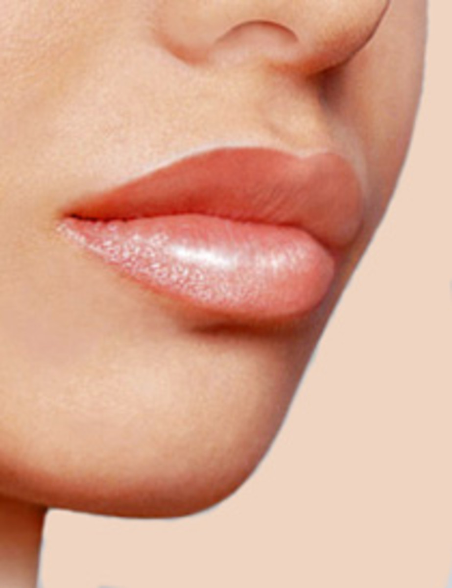 How to Make Your Lips Look Bigger and Plumper Without Surgery