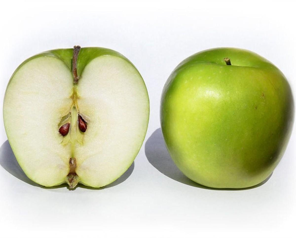 Ten Health Benefits of Eating Apples