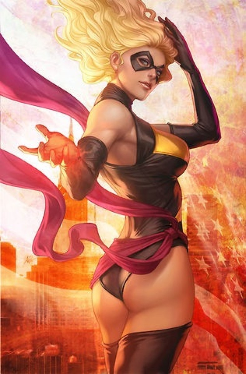 Top 5 Sexiest Avengers Girls