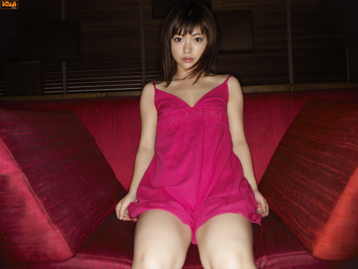 Akina Miyazato: Singer, Model, & Former Member of Folder5
