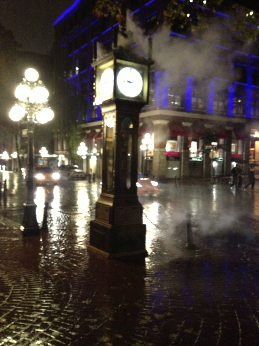 Steam-powered clock in Gastown.