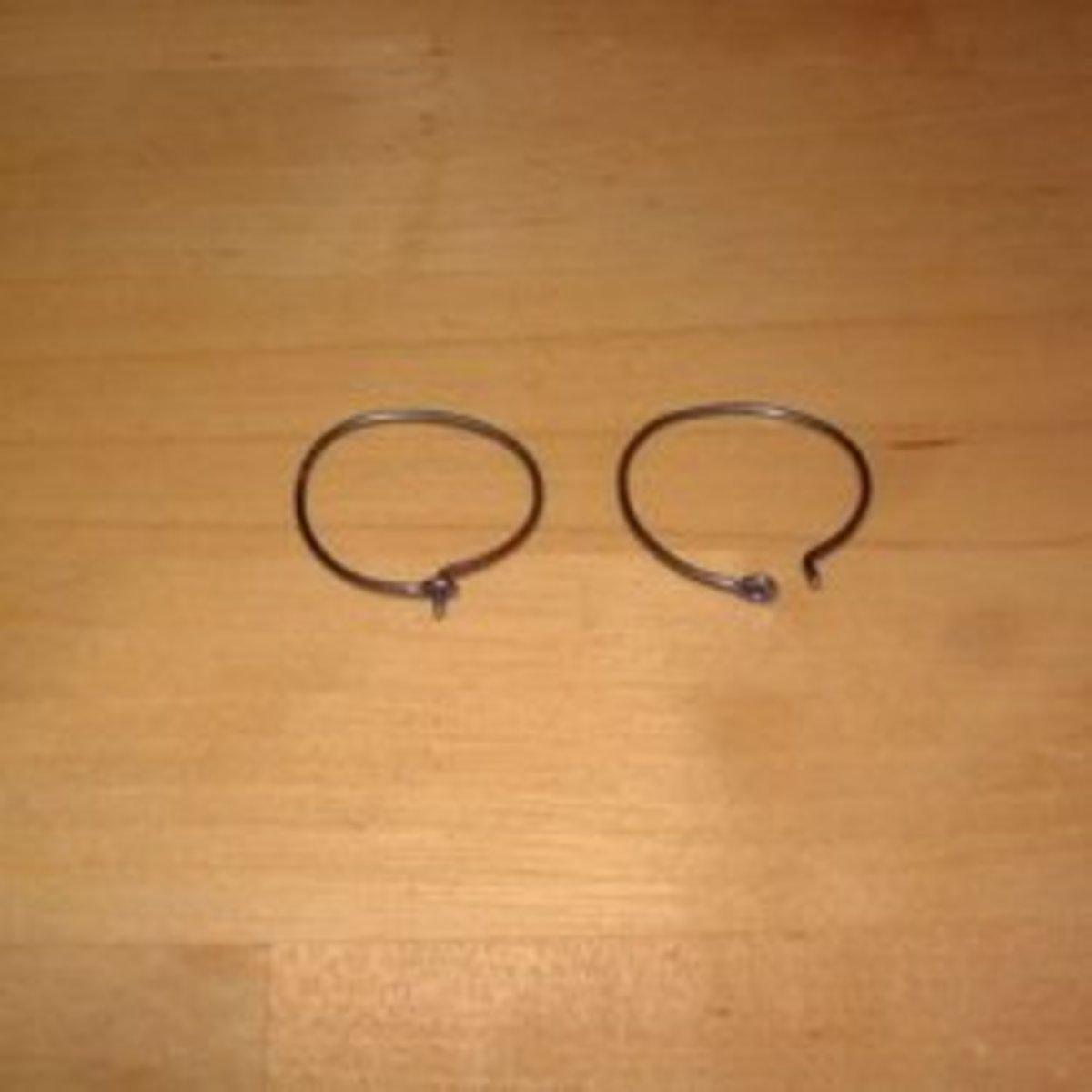 Niobium wire loop hoop earrings