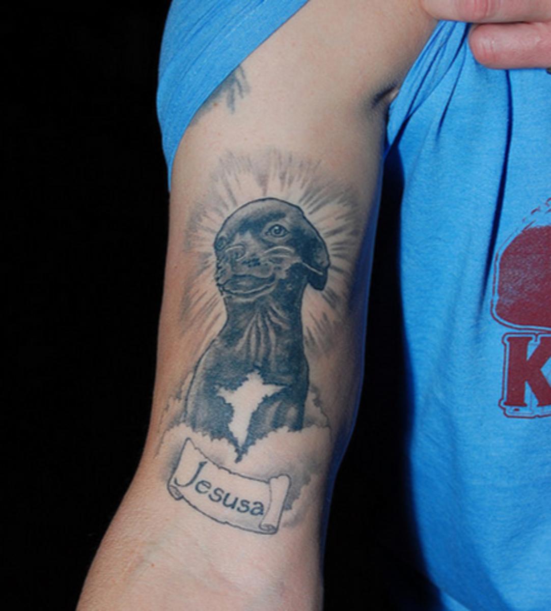 idei-dlya-tatuirovok - В Любящей Памяти: Р. И. П. Мемориальный Татуировки -  - фото