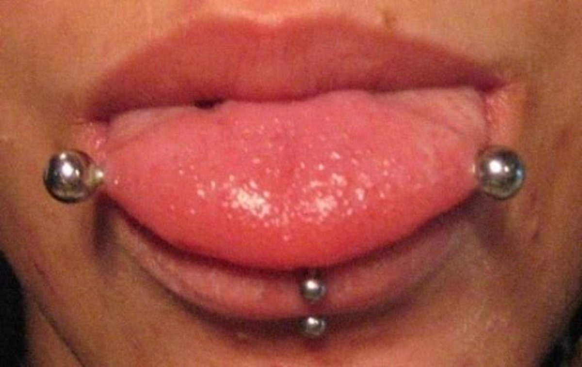 Horizontal tongue piercings are rare (yes, that jewelry goes all the way through the tongue!).