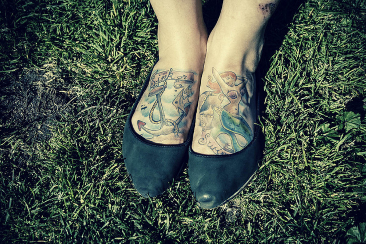 Get your mermaid tattoo on your feets! :)