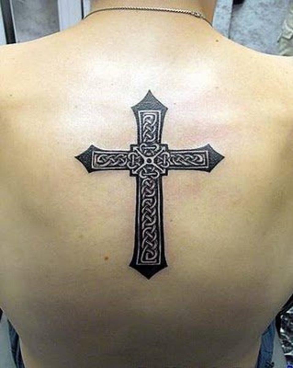 idei-dlya-tatuirovok - Готические Татуировки Крест -  - фото