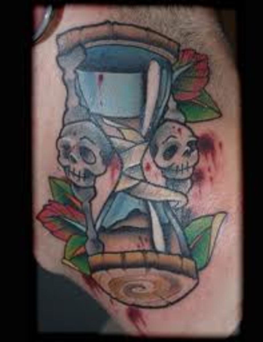 Wooden hourglass with blue skulls