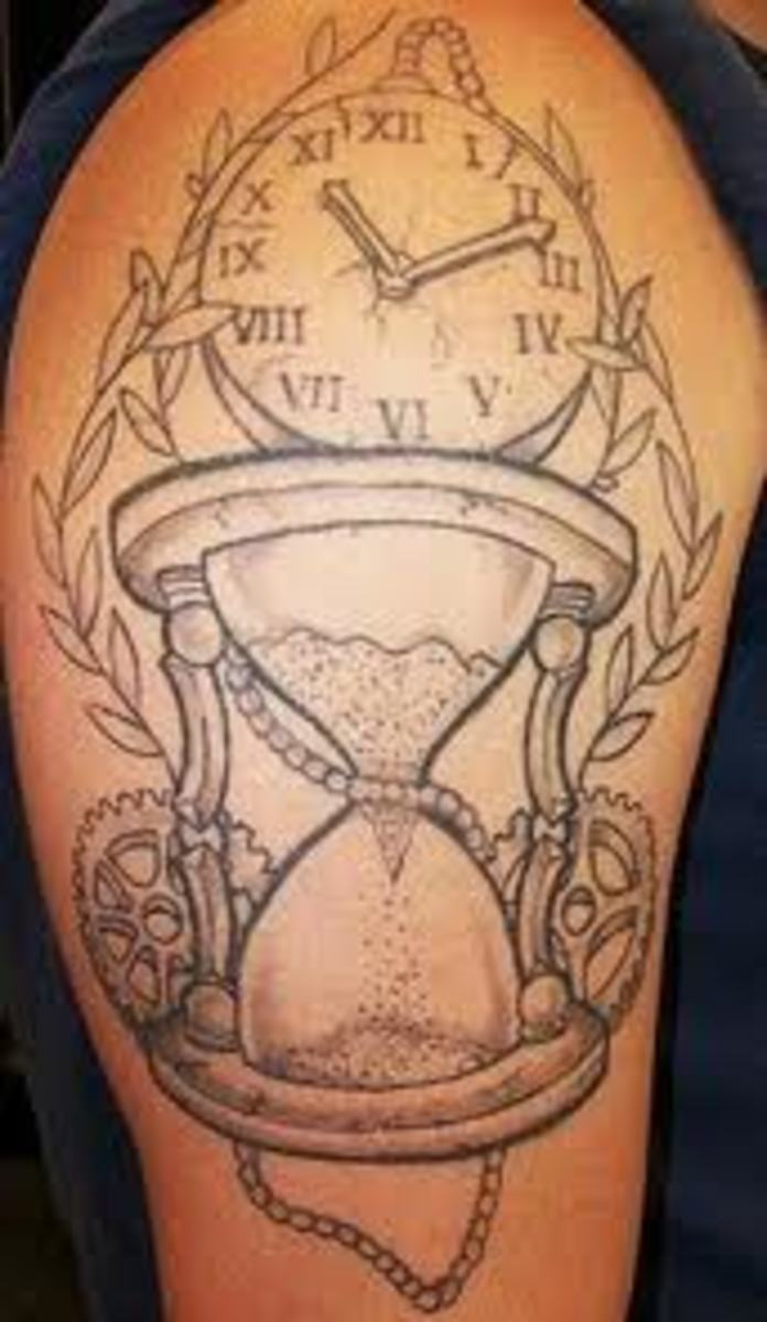 Hourglass with clockwork