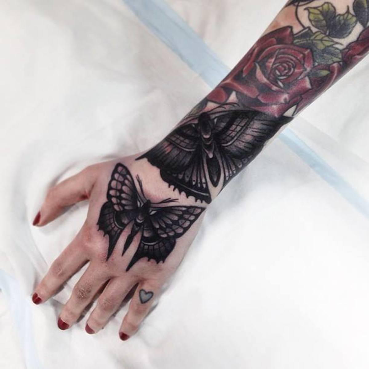 Complete sleeve including butterfly on hand