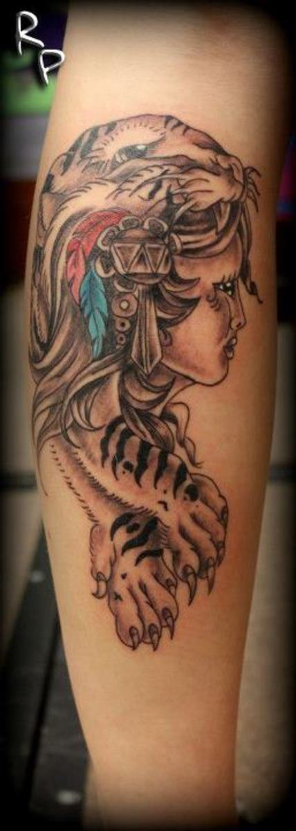 Tattoo aftercare tips and tricks for people with for Tattoos on old saggy skin