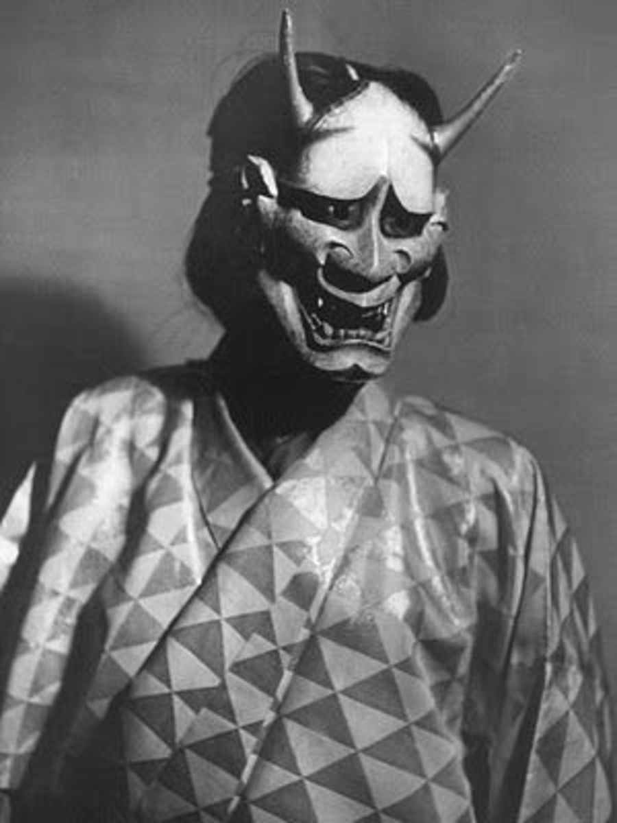 Hannya mask on Noh performer