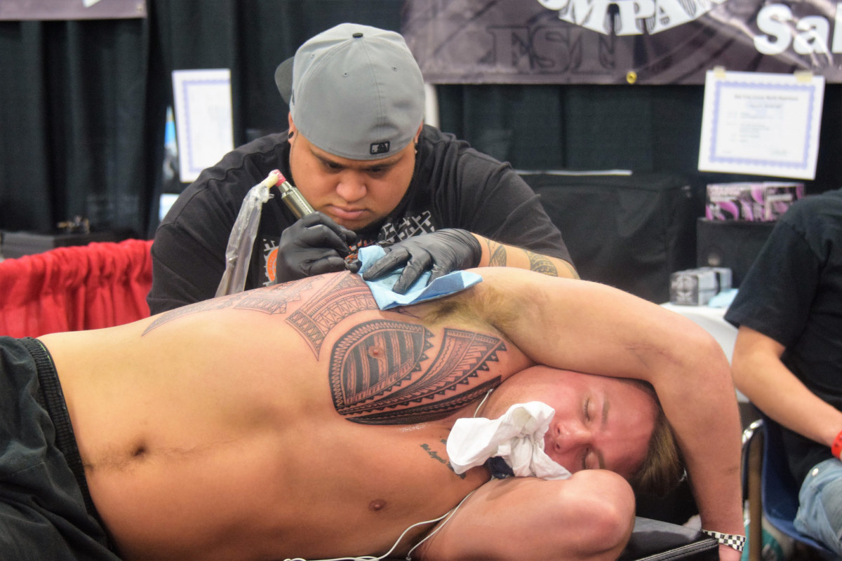 Everything You Need to Know Before Getting a Rib Tattoo | TatRing