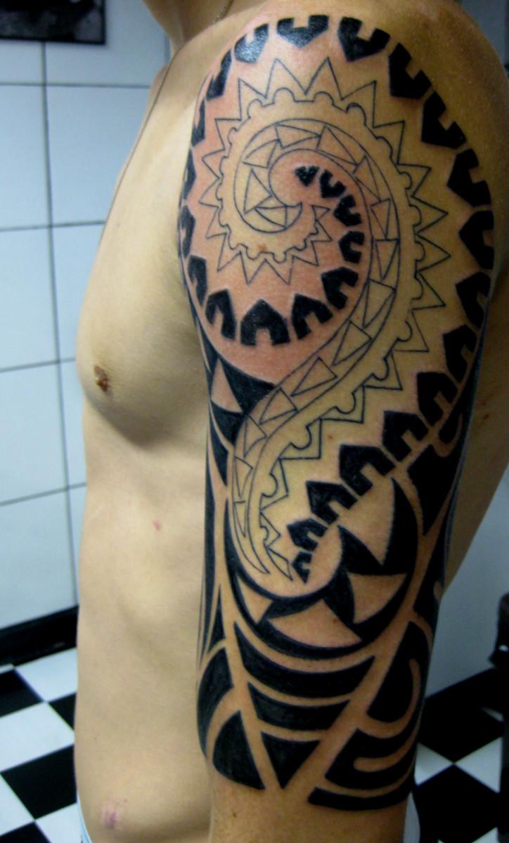 Geometric black design