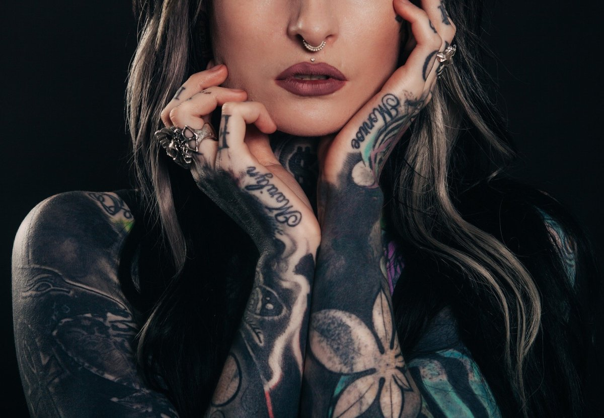 The Real Pros and Cons of Face and Body Tattoos