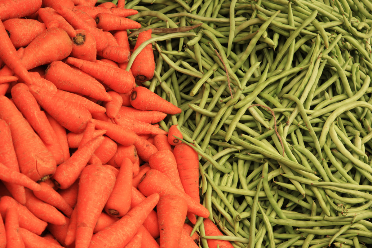 This stir-fry recipes combines carrots and green beans with tofu.