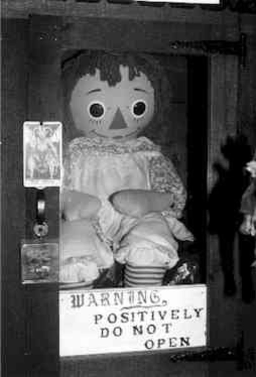 The Story of the Possessed Raggedy Ann Doll, Annabelle