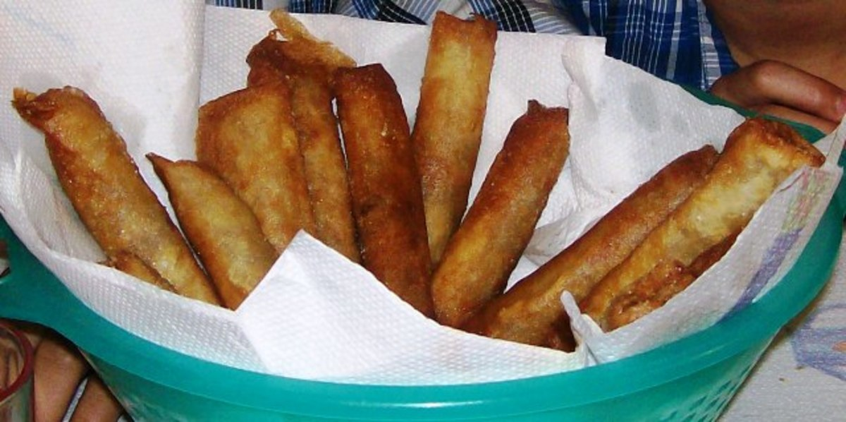 A close-up of a nice basket full of my very own lumpia.
