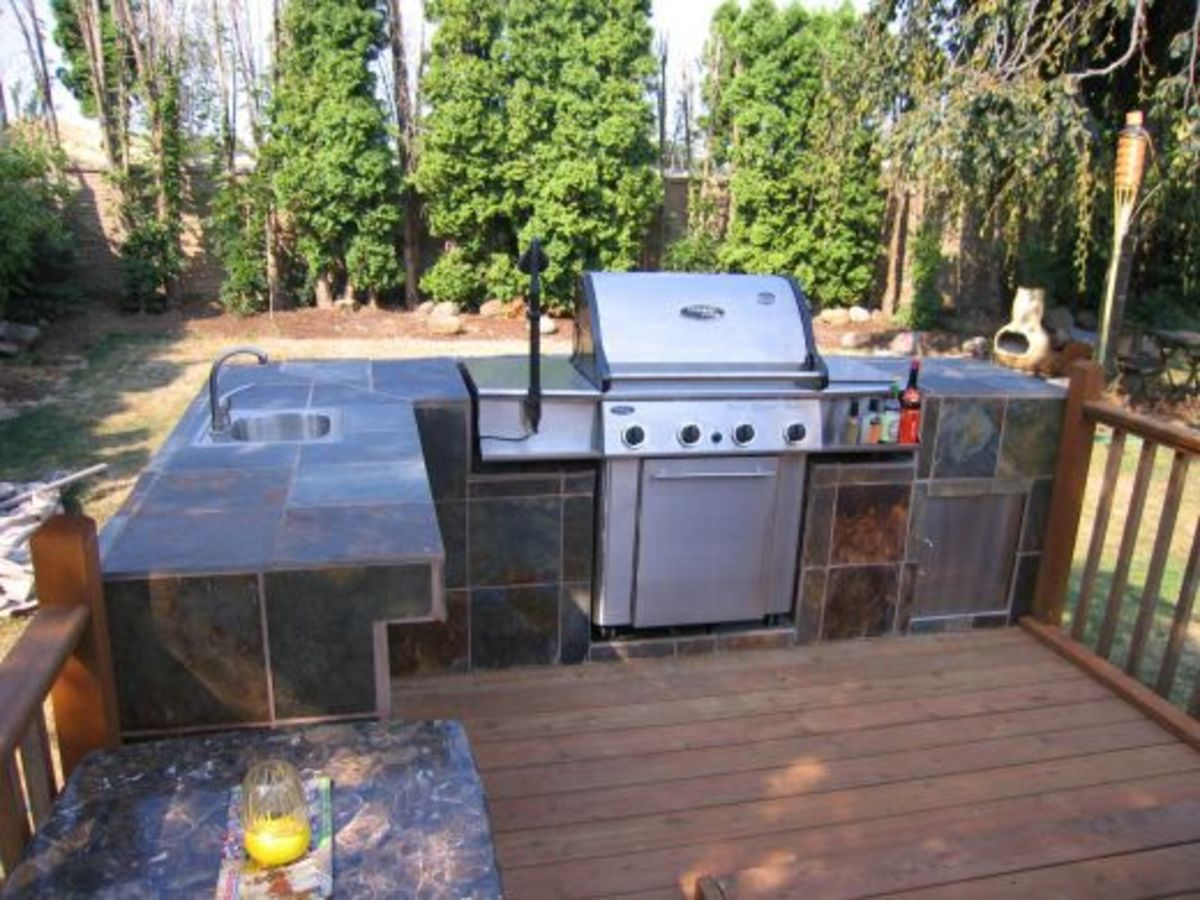 How to Build an Outdoor Kitchen and BBQ Island