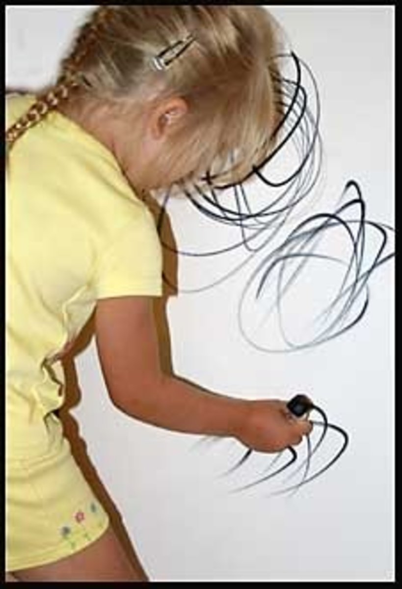 Did your little artist get creative on the walls of your home? Never fear—there is a way to remove those marks!