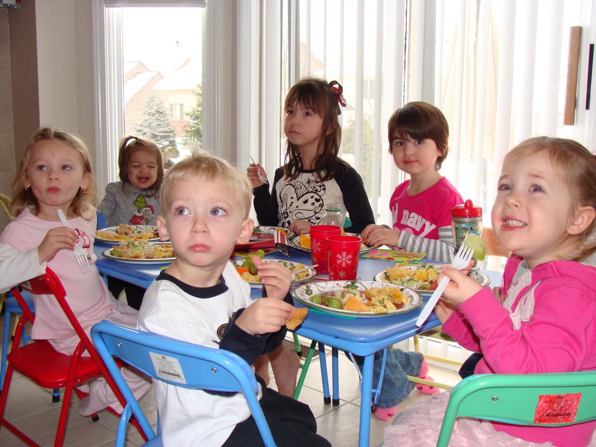 Kids' Playdate Menus:  Make it a Potluck!