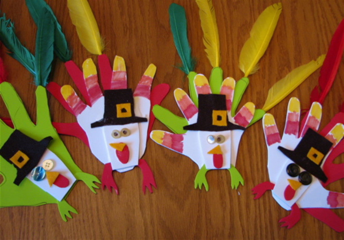 Thanksgiving arts and crafts are a great way to get your kids excited about the holidays.
