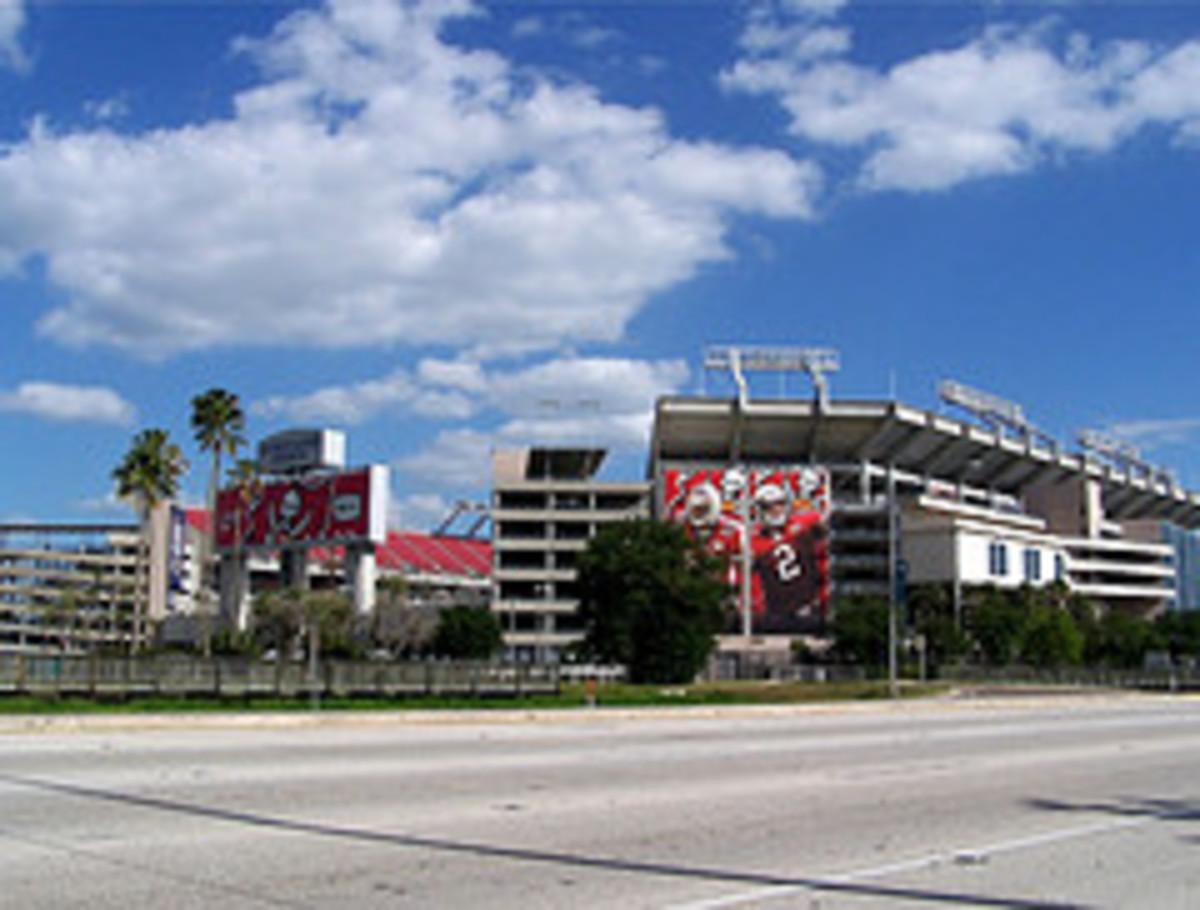 Raymond James Stadium www.flickr.com