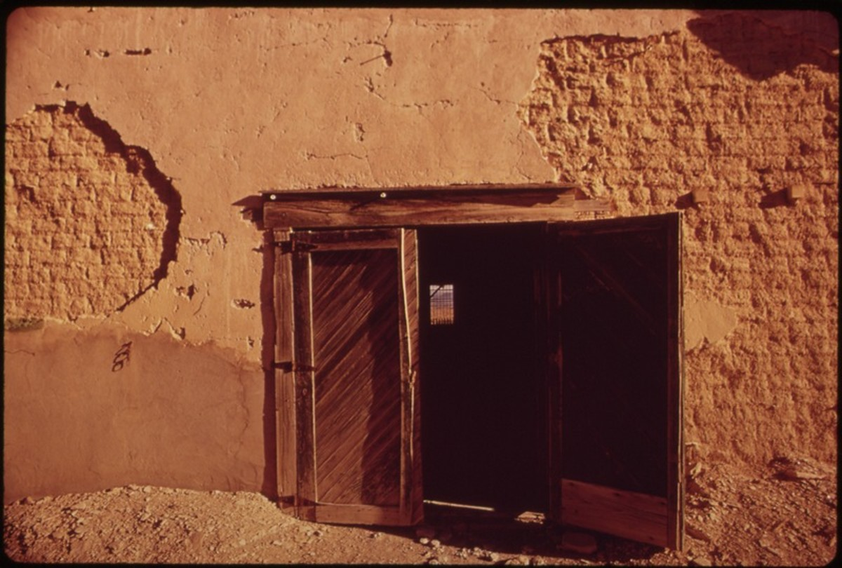 Crumbling Adobe House in Terlingua