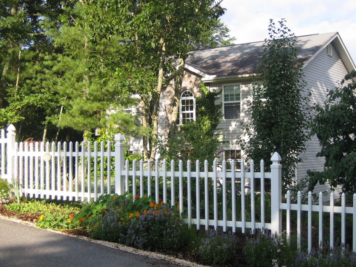 The old home....we added the picket fence and it was just so cute.