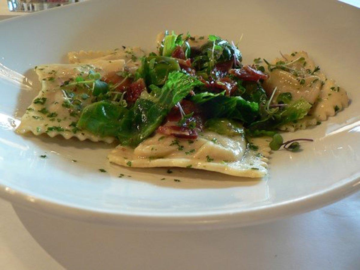 Make a delicious ravioli dish by hand!