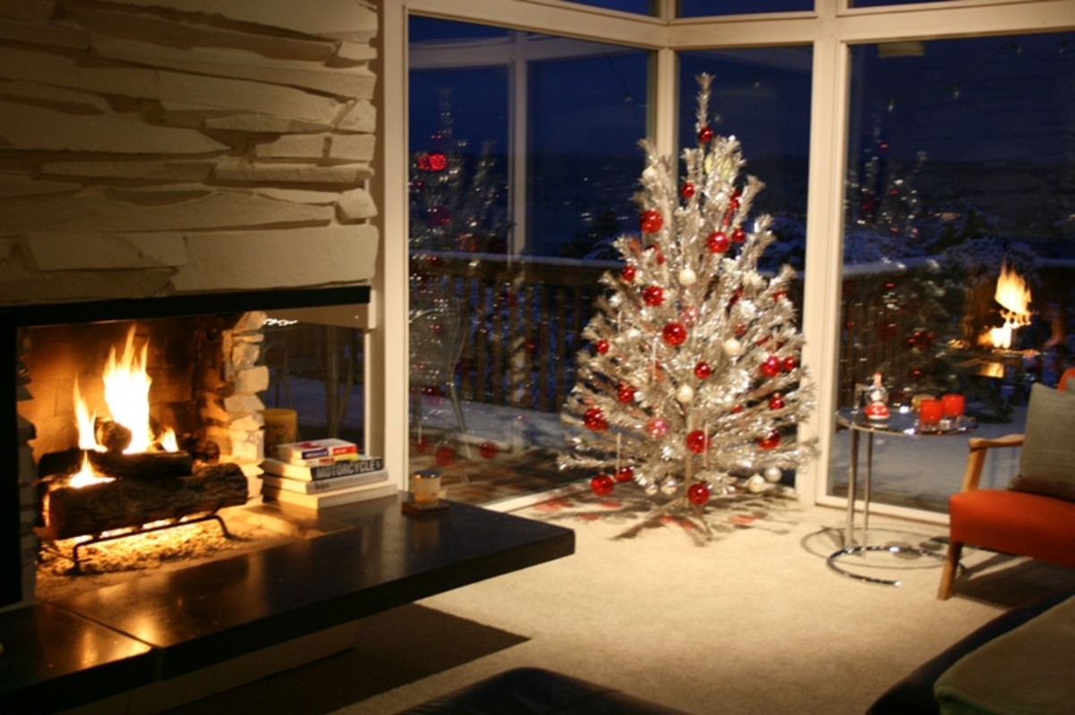 A beautiful vintage aluminum Christmas tree